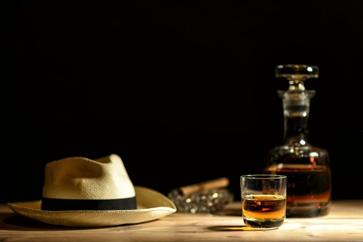 hat-on-bar